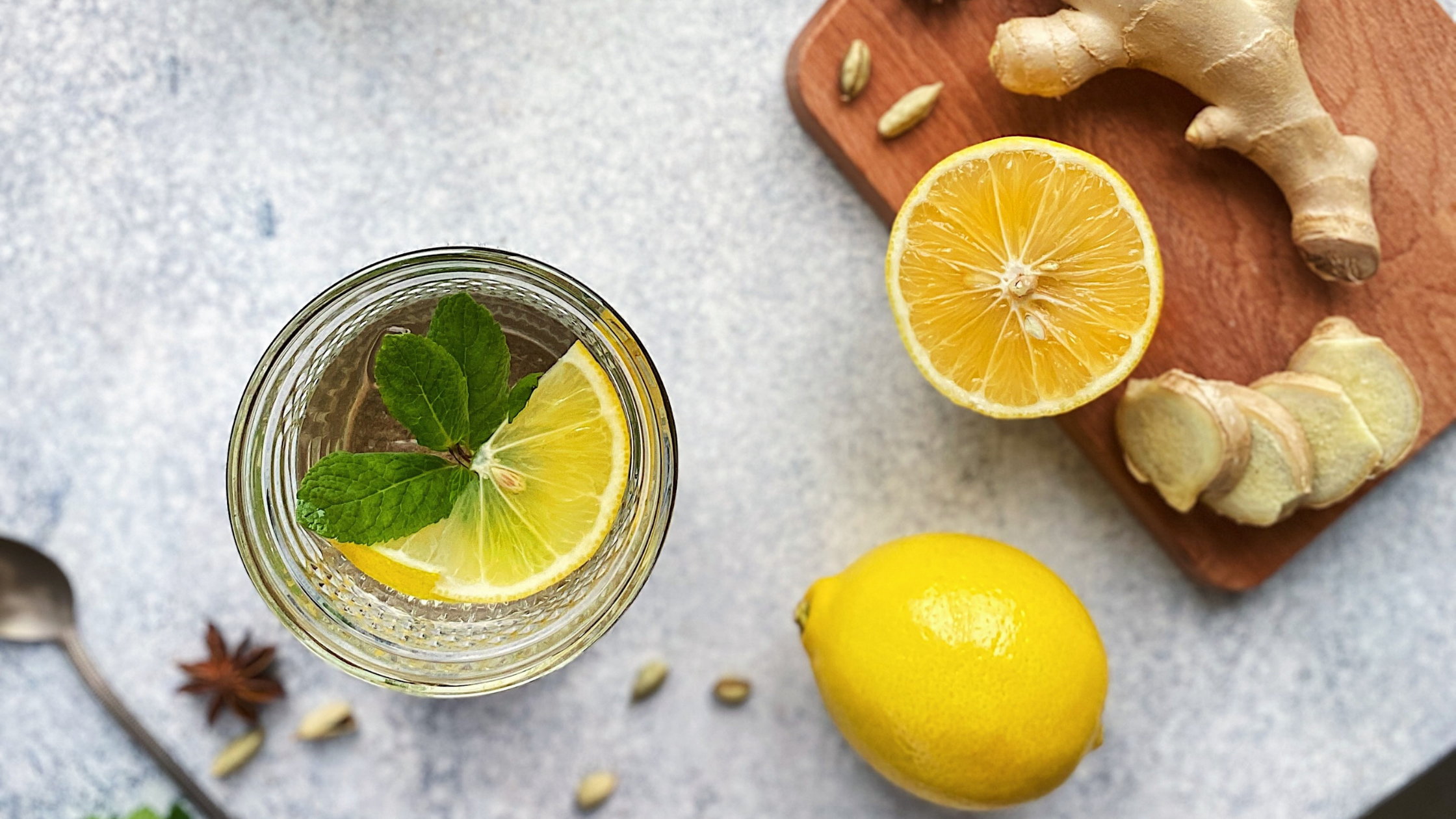 warm lemon ginger mint tea